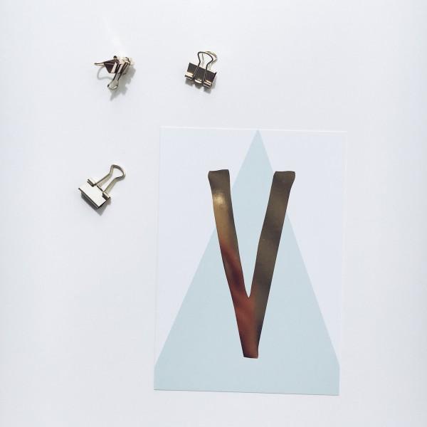 """Postkarte """"V"""""""