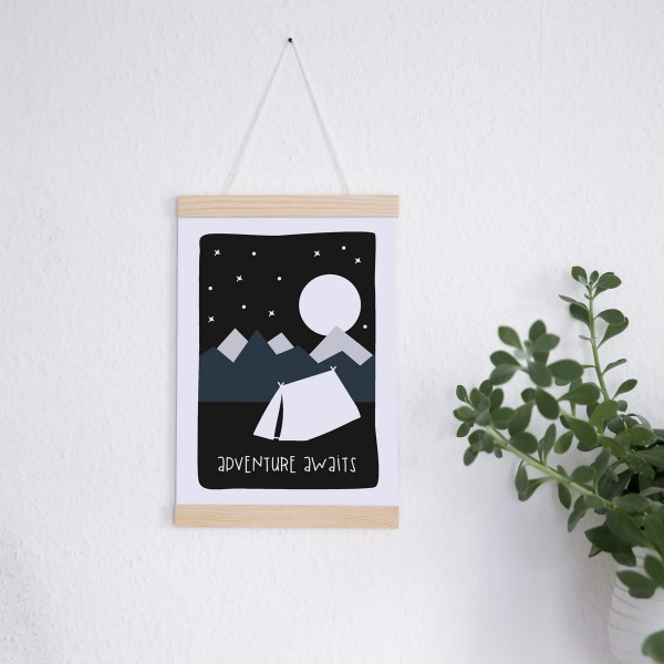 "Poster A4 mit Leuchtfarbe ""Adventure awaits"""