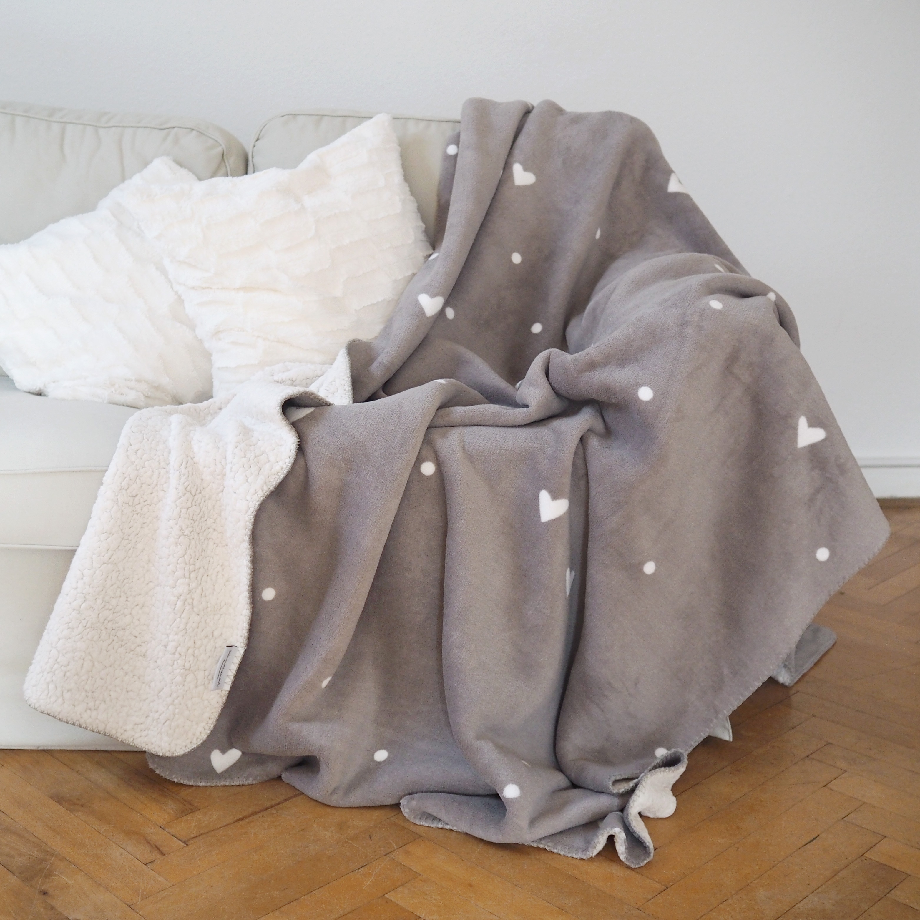kuscheldecke flausch grau. Black Bedroom Furniture Sets. Home Design Ideas