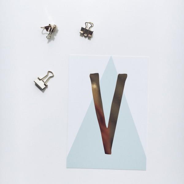 """Glitzer Postkarte """"V"""""""